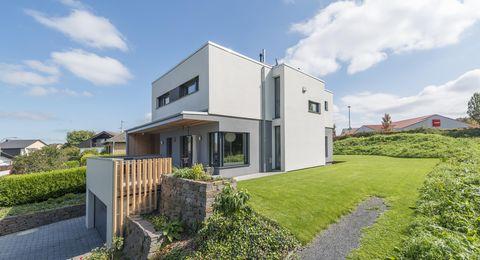 Haus Wollschläger - Bauhaus in Hanglage